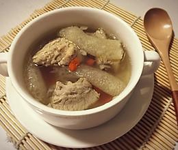 枸杞竹荪排骨汤的做法