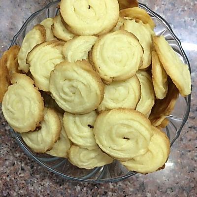 曲奇饼干(奶香四溢.简单又美味.零失败.)
