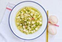 高蛋白下饭家常菜:青椒鸡蛋烩豆腐的做法