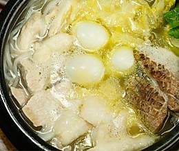 在云南,这碗小吃已经上百岁了——过桥米线的做法