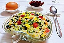 #钟于经典传统味#腊肠芹叶蛋炒饭的做法