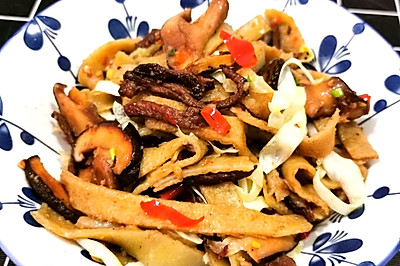 【炒粉】香菇肉丝绿豆粉