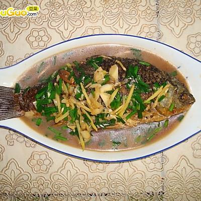 红烧鲫鱼——豆果美食