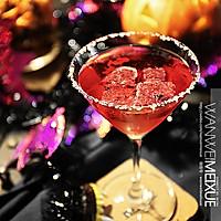 万圣节搞怪美食 亲吻吸血鬼(石榴龙舌兰鸡尾酒)的做法图解4
