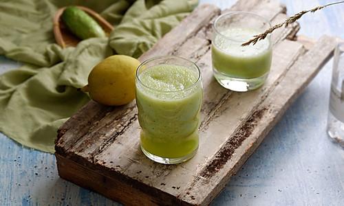 黄瓜香梨汁的做法