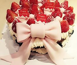 红颜草莓翻糖蛋糕的做法