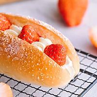 草莓奶油面包-每一口都是儿时的回忆