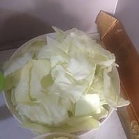 回锅肉炒大白菜。的做法图解2