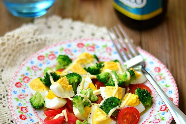 橄榄油鸡蛋沙拉的做法