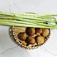 #一人一道拿手菜#芦笋炒蘑菇的做法图解1