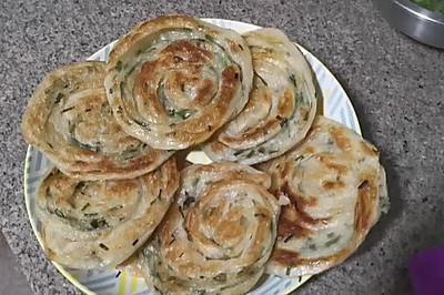 饺子皮美食—葱油饼