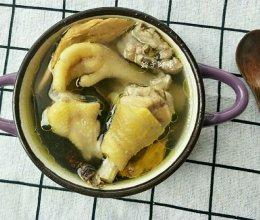 五指毛桃炖鸡汤的做法