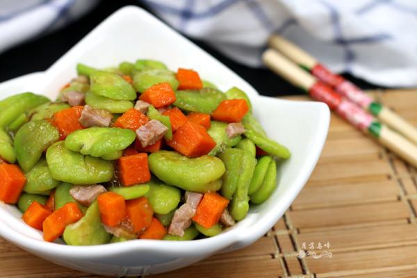 蚕豆炒腊肉的做法