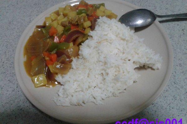 家庭自制美味咖喱牛肉饭的做法