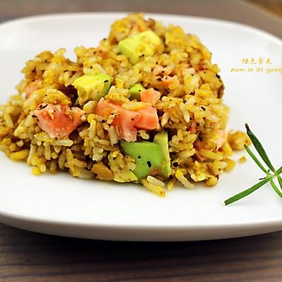 三文鱼黄金炒饭