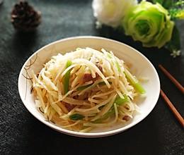 土豆丝炒芹菜#快手又营养,我家的冬日必备菜品#的做法