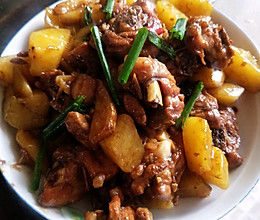 土豆焖鸡腿肉的做法