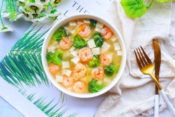 低脂营养的西兰花虾仁豆腐汤的做法