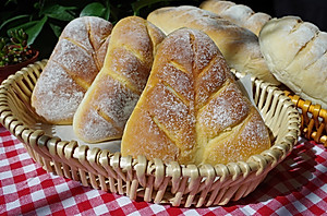 欧式风格的叶子状三角豆沙包,馅料超级足【图片】