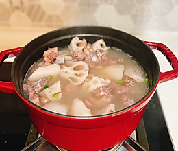 秋冬滋补——莲藕花生排骨汤的做法