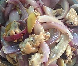 洋葱炒鸡翅的做法