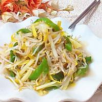 韭黄青椒炝炒绿豆芽