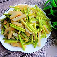 耗油蒜苔炒土豆丝