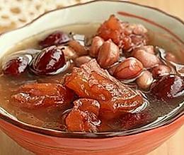 缓解产后疼痛的食补:归枣牛筋花生汤的做法