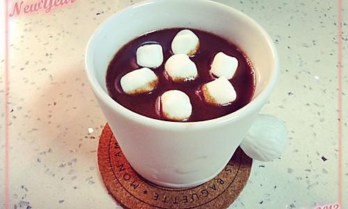 冬日里来杯热可可最有爱啦---棉花糖版的做法