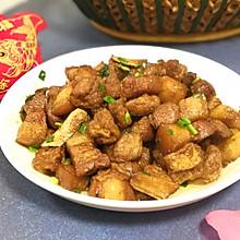 油豆腐焖五花肉
