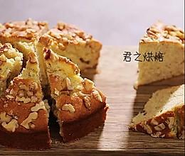 简简单单的香蕉核桃蛋糕(很香很香的咧)的做法