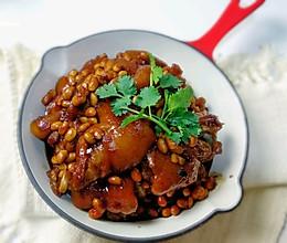 电饭煲黄豆炖猪蹄的做法