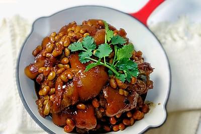 电饭煲黄豆炖猪蹄