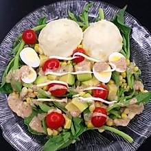 新手也能做出高大尚的美味——牛油果冰菜土豆沙拉
