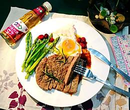 和向往的生活5张艺兴蜜汁牛排媲美,鲜嫩多汁~香煎牛排的做法