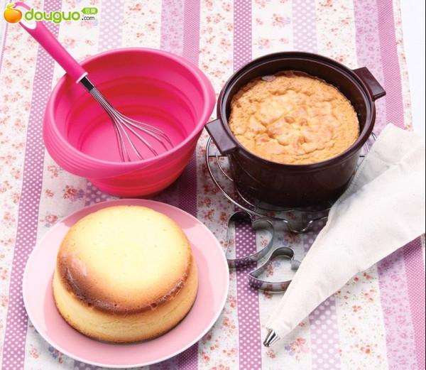 不沾油硅胶锅菜谱(12)---金黄海绵蛋糕的做法