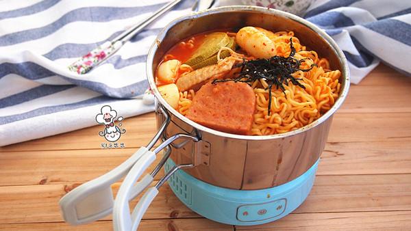 #公主系列# 韩式芝士年糕拉面部队锅的做法