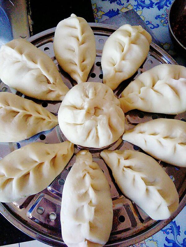 烫面蒸饺(猪肉芹菜)的做法