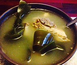 海带排骨汤。的做法