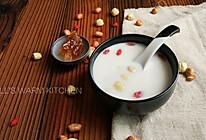 甜而不腻,莲子花生牛奶的做法