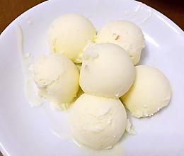 无冰渣儿冰激凌简单做法(无需多次搅拌)的做法