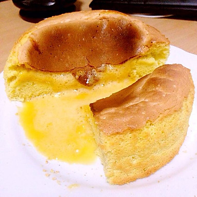 完美爆浆的蜂蜜凹蛋糕