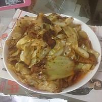 回锅肉炒大白菜。的做法图解3