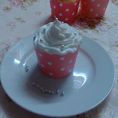 奶油戚风纸杯蛋糕