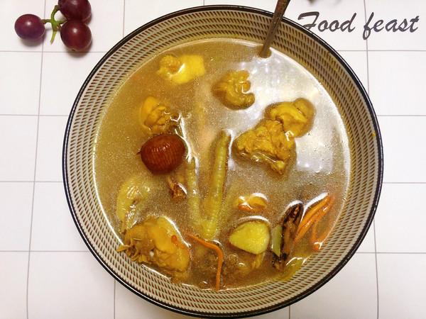 五指毛桃山药蜜枣煲鸡汤的做法