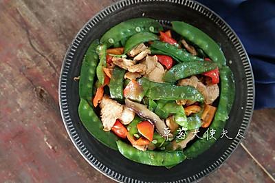 减脂餐:荷兰豆香菇炒肉片