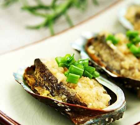 蒜蓉蒸鲜鲍鱼的做法