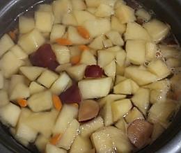 苹果梨红枣枸杞汤的做法