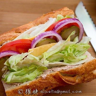 超好吃超简单的营养早餐----快艇金枪鱼三明治