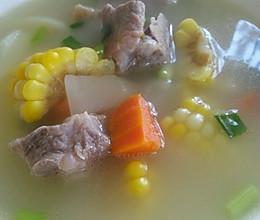 冬季瘦身养颜汤--玉米土豆胡萝卜炖排骨的做法